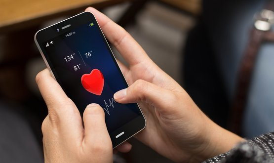 Smartphone ECG recorder is 'fives times better at spotting heart problems'