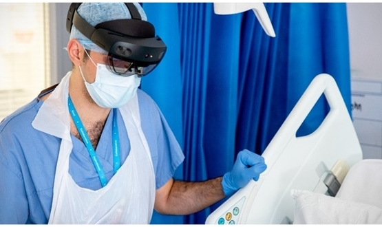 Imperial College docs using Microsoft HoloLens for Covid-19 ward rounds